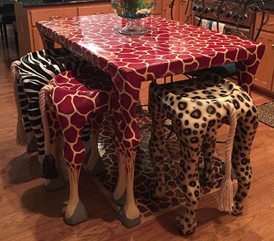 Giraffe Table ad Bar Stools
